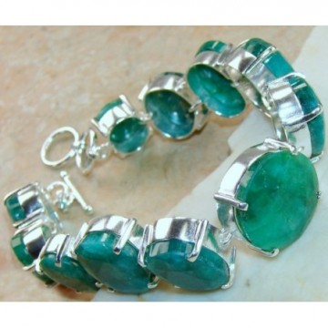 Bracelet with Emerald Gemstones