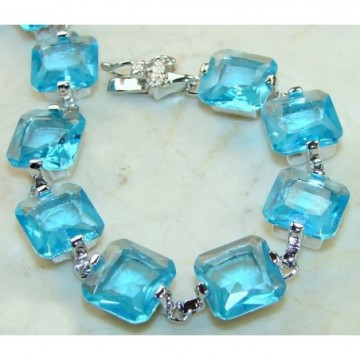 Bracelet with Blue Topaz Gemstones