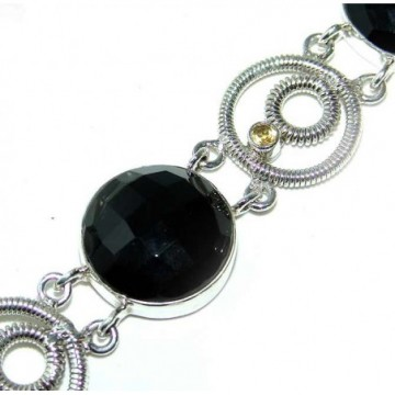Bracelet with Onyx Gemstones