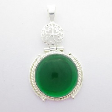 Artisan Crafted Green Quartz Gemstone Pendant