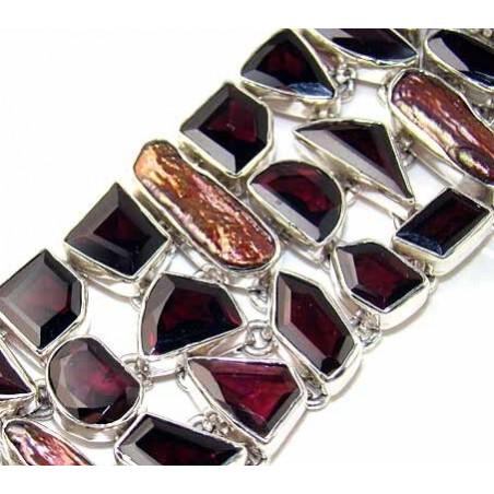 Bracelet with Garnet Faceted, Biwa Pearl Gemstones