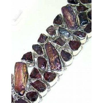 Bracelet with Amethyst Rough, Biwa Pearl Gemstones